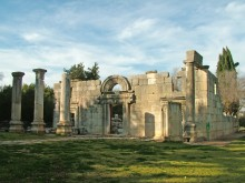 Ruins_of_the_Ancient_Synagogue_at_Bar'am